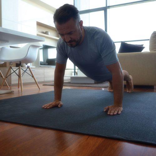 La esterilla de yoga y pilates más grande del mercado
