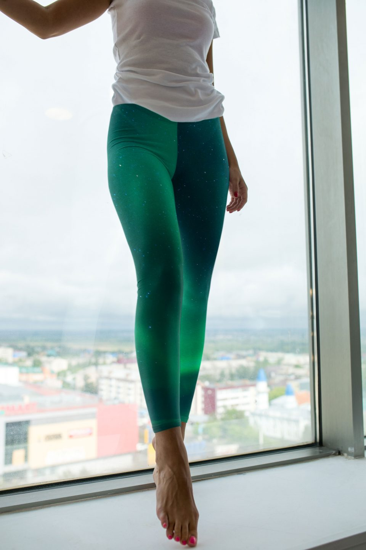 pretty-yoga-pants-aurora-borealis
